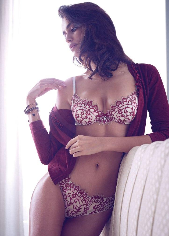 Irina Shayk  (3)